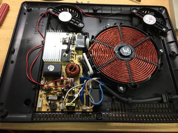 Ремонт индукционной плитки Ricci GDL-C21E3 при включении в розетку выбивает диффавтомат!
