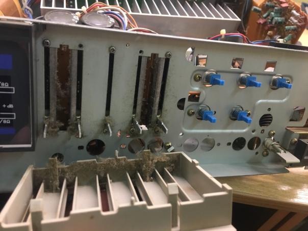 Обзор внутренностей усилителя Super A класса JVC A-X40 - профилактика!