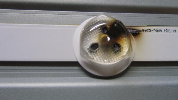 Ремонт подсветки телевизора LG 32LB530U, при включении вспыхивает подсветка и гаснет!